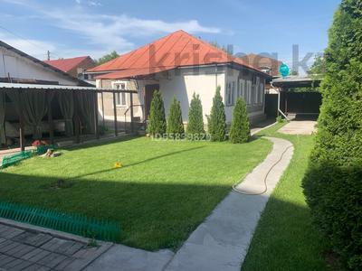 5-комнатный дом, 115 м², 6 сот., мкр №11, Солнечная — Жандосова за 31.9 млн 〒 в Алматы, Ауэзовский р-н