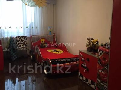 4-комнатная квартира, 120 м², 5/9 этаж, проспект Республики за 38.5 млн 〒 в Нур-Султане (Астана), Сарыарка р-н — фото 6