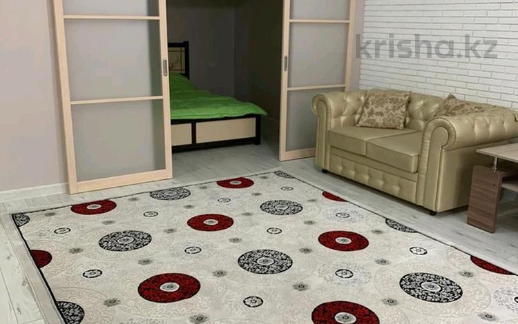 1-комнатная квартира, 45 м², 9/14 этаж посуточно, 17-й мкр 6 за 10 000 〒 в Актау, 17-й мкр
