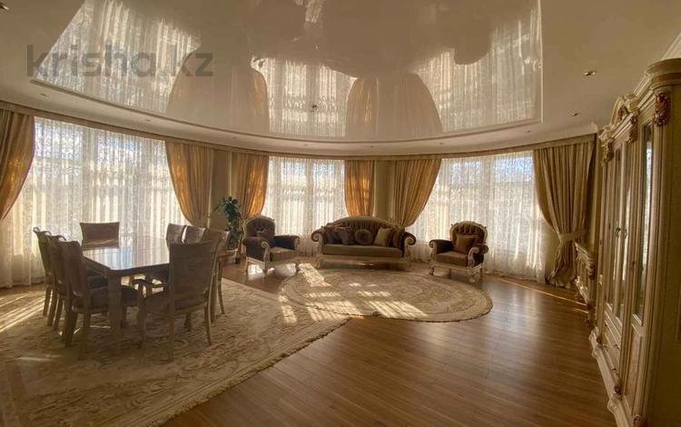 4-комнатная квартира, 178.3 м², 5/10 этаж, Алихана Бокейхана за 76 млн 〒 в Нур-Султане (Астана), Есиль р-н