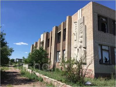 Здание, площадью 1323.2 м², Школьная 5 за ~ 20.9 млн 〒 в Акколе — фото 4