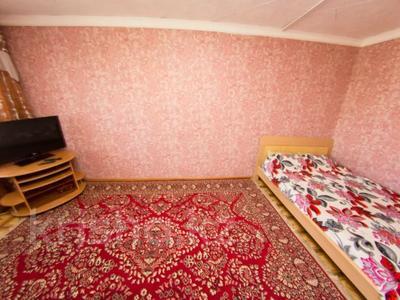 1-комнатная квартира, 33 м², 3/5 этаж посуточно, Интернациональная 77 — Гоголя за 5 500 〒 в Петропавловске — фото 4