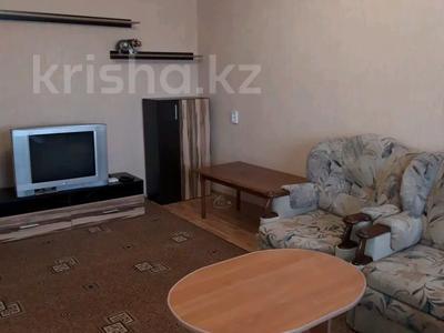 2-комнатная квартира, 58 м², 2/10 этаж посуточно, мкр 11 19 за 9 000 〒 в Актобе, мкр 11