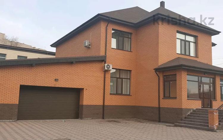 5-комнатный дом, 307.8 м², 9 сот., Гагарина 2/6 — Сатпаева за 119 млн 〒 в Павлодаре