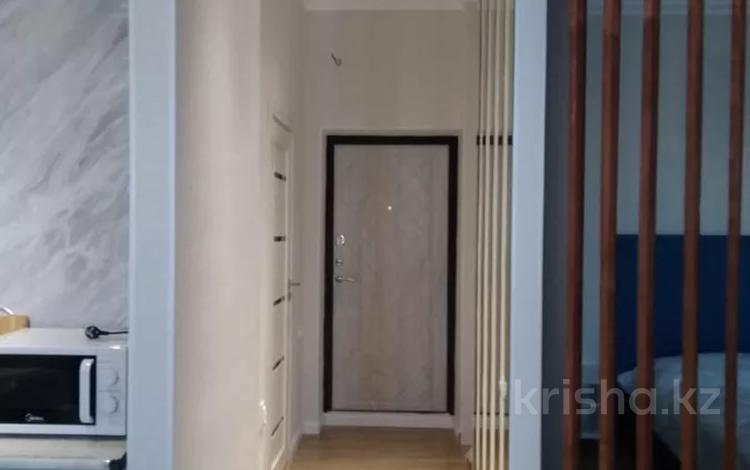 1-комнатная квартира, 38 м², 17/21 этаж посуточно, Туркестан 14а — Орынбор за 7 000 〒 в Нур-Султане (Астана), Есиль р-н