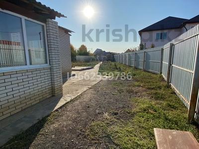 4-комнатный дом, 100 м², 8 сот., Воинов-интернац 50 за 21 млн 〒 в Уральске