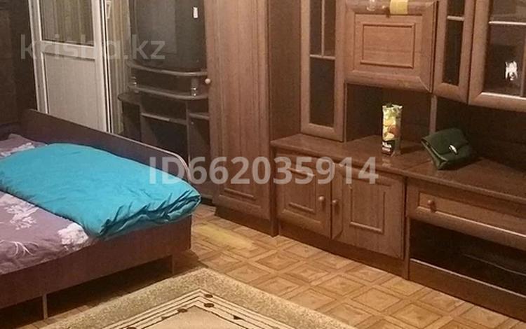 1-комнатная квартира, 44 м², 1/5 этаж посуточно, мкр Айнабулак-3 93 за 8 000 〒 в Алматы, Жетысуский р-н