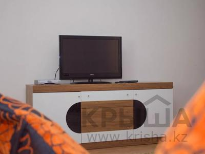 3-комнатная квартира, 90 м², 3/4 этаж посуточно, С.Даумова — Л.Толстого за 15 000 〒 в Уральске — фото 2