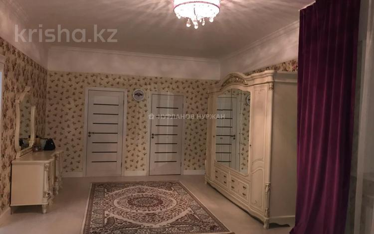 8-комнатный дом, 350 м², Ивана Панфилова за 265 млн 〒 в Нур-Султане (Астана), Есиль р-н