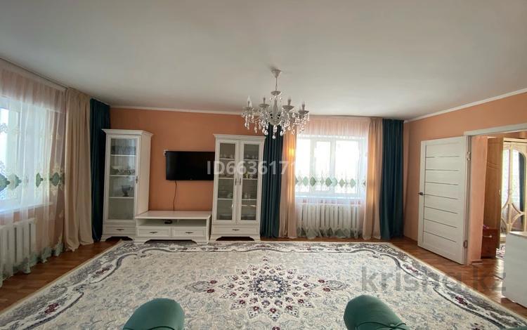 6-комнатный дом, 150 м², 10 сот., Юго-восточный жилой район — Ескельди би за 32 млн 〒 в Талдыкоргане