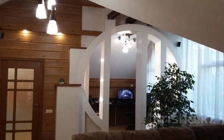 8-комнатный дом, 212 м², 6 сот., Баянаульская 16 — проспект Суюнбая за 65 млн 〒 в Алматы, Жетысуский р-н