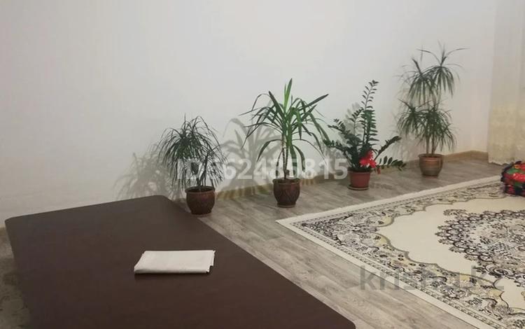 5-комнатный дом, 200 м², 10 сот., мкр 12, Рябинушка 27 за 27 млн 〒 в Актобе, мкр 12