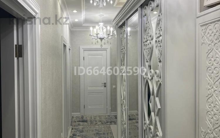 3-комнатная квартира, 87.2 м², 5/5 этаж, мкр Юго-Восток, Степной 2 14/1 за 37 млн 〒 в Караганде, Казыбек би р-н