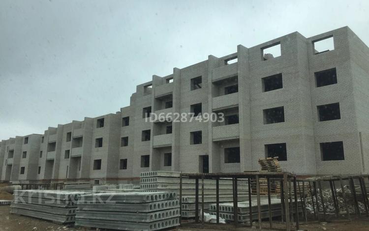 1-комнатная квартира, 42 м², 2/6 этаж, Батыс 2 мкр 5 — 3 за 6 млн 〒 в Актобе, мкр. Батыс-2