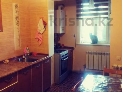 3-комнатная квартира, 57 м², 1/5 этаж, 15 мкр — Шаяхметова за 25 млн 〒 в Шымкенте, Енбекшинский р-н