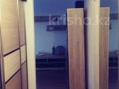 3-комнатная квартира, 57 м², 1/5 этаж, 15 мкр — Шаяхметова за 25 млн 〒 в Шымкенте, Енбекшинский р-н — фото 4