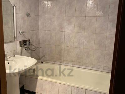 3-комнатная квартира, 70 м², 4/5 этаж, мкр Аксай-3А, Толе Би (Комсомольская) за 25 млн 〒 в Алматы, Ауэзовский р-н