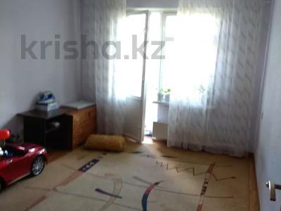3-комнатная квартира, 70 м², 5/5 этаж, мкр Аксай-3А за 21.5 млн 〒 в Алматы, Ауэзовский р-н — фото 2