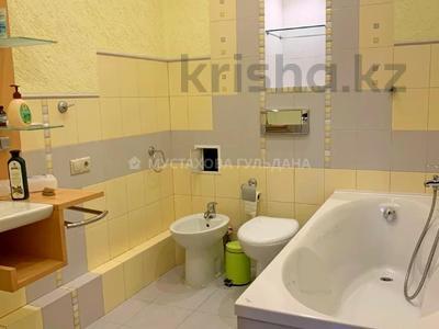 4-комнатная квартира, 132 м², 4/22 этаж, Кабанбай батыра за 85 млн 〒 в Алматы, Алмалинский р-н — фото 12