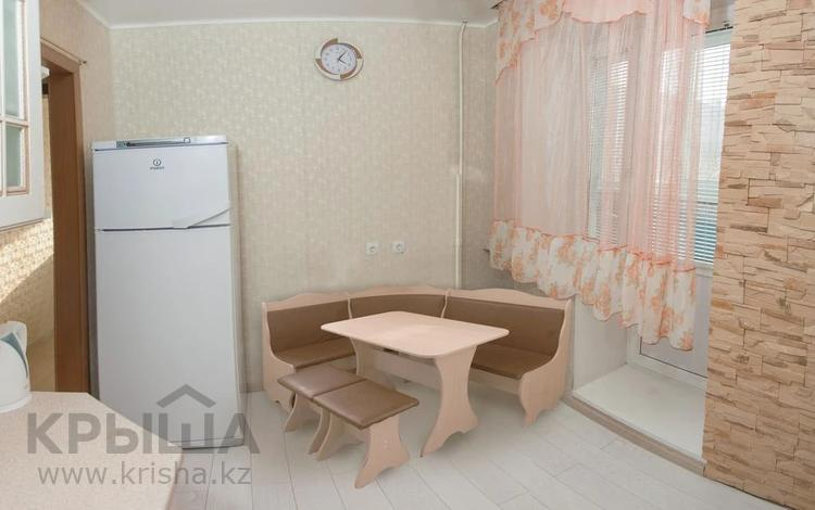 2-комнатная квартира, 67 м², 2/16 этаж помесячно, Иманбаевой 3 за 130 000 〒 в Нур-Султане (Астана), Алматы р-н