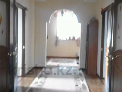 4-комнатный дом, 150 м², 7 сот., улица Иманова — улица Вокзальная за 15 млн 〒 в Актобе