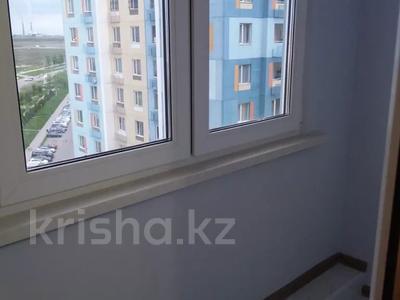 2-комнатная квартира, 54 м², 10/14 этаж помесячно, мкр Акбулак за 120 000 〒 в Алматы, Алатауский р-н — фото 10