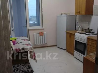 2-комнатная квартира, 54 м², 10/14 этаж помесячно, мкр Акбулак за 120 000 〒 в Алматы, Алатауский р-н — фото 2
