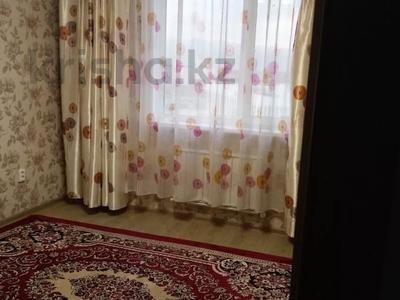 2-комнатная квартира, 54 м², 10/14 этаж помесячно, мкр Акбулак за 120 000 〒 в Алматы, Алатауский р-н — фото 3