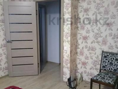 2-комнатная квартира, 54 м², 10/14 этаж помесячно, мкр Акбулак за 120 000 〒 в Алматы, Алатауский р-н — фото 4