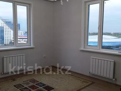 2-комнатная квартира, 54 м², 10/14 этаж помесячно, мкр Акбулак за 120 000 〒 в Алматы, Алатауский р-н — фото 7