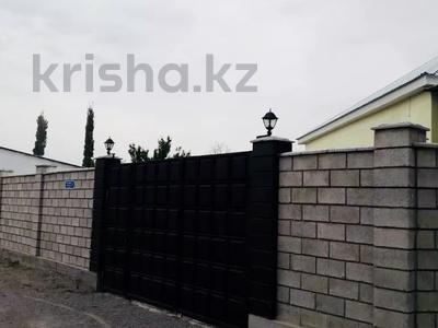 9-комнатный дом, 200 м², 10 сот., Жолсеит Хамбарова 1 — Ташкентсая за 25.5 млн 〒 в Таразе — фото 6