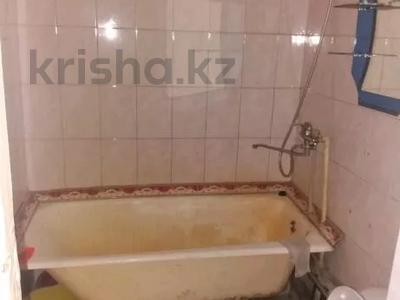 3-комнатная квартира, 58 м², 2/5 этаж, Титова 140 за ~ 7 млн 〒 в Семее