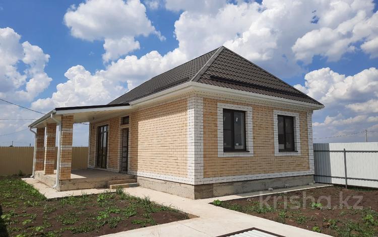2-комнатный дом, 65 м², 3 сот., Комарова за 3.1 млн 〒 в Краснодаре