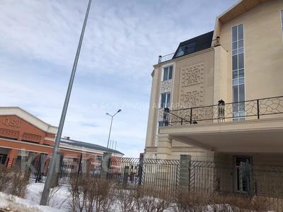 4-комнатная квартира, 196.4 м², 2/5 этаж, Тумар ханым 40 за 68 млн 〒 в Нур-Султане (Астана), Есиль р-н — фото 3