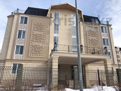 4-комнатная квартира, 196.4 м², 2/5 этаж, Тумар ханым 40 за 68 млн 〒 в Нур-Султане (Астана), Есиль р-н — фото 2