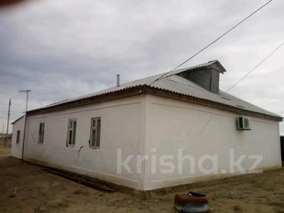 4-комнатный дом, 140 м², 10 сот., Еркинкала Атамура 4 4 за 13 млн 〒 в Атырау — фото 3