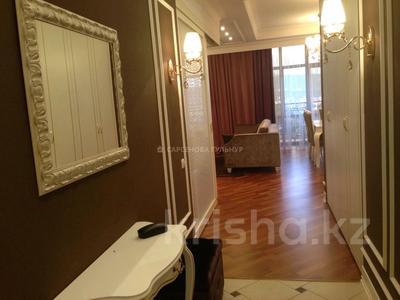 3-комнатная квартира, 130 м², 7/8 этаж помесячно, Омаровой 37 за 950 000 〒 в Алматы, Медеуский р-н — фото 5