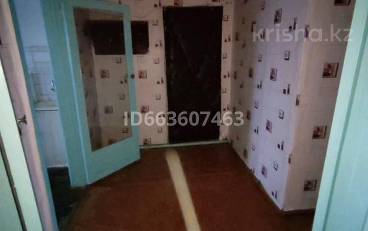 3-комнатная квартира, 64 м², 1/2 этаж, Связист 8 за 3 млн 〒 в Семее