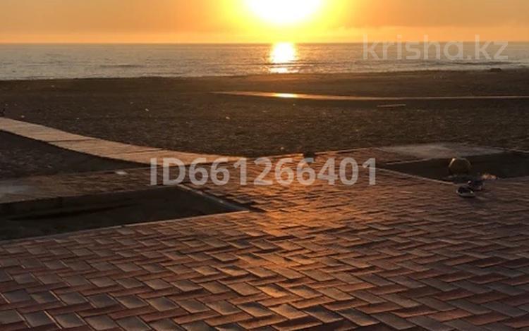7-комнатный дом посуточно, 300 м², База отдыха золотое солнышко за 170 000 〒 в Актау