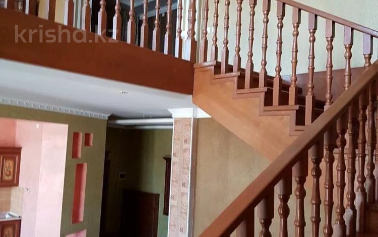 6-комнатная квартира, 300 м², Кунаева за 130 млн 〒 в Шымкенте, Аль-Фарабийский р-н