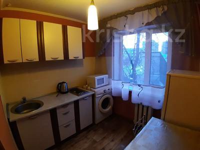 1-комнатная квартира, 35 м², 3/5 этаж посуточно, Урицкого 74 за 5 000 〒 в Павлодаре — фото 6