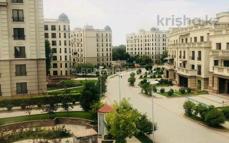4-комнатная квартира, 160 м², 3/7 этаж, Бостандыкский р-н, мкр Мирас за 119 млн 〒 в Алматы, Бостандыкский р-н