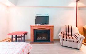 1-комнатная квартира, 38 м², 3/5 этаж посуточно, Фурманова 220 — Сатпаева за 9 999 〒 в Алматы