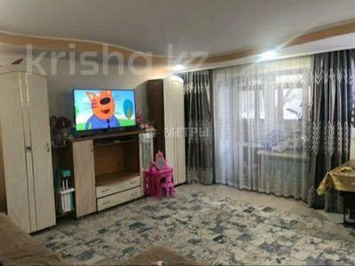3-комнатная квартира, 62.9 м², 2/5 этаж, Дулатова 141 за 22.5 млн 〒 в Семее