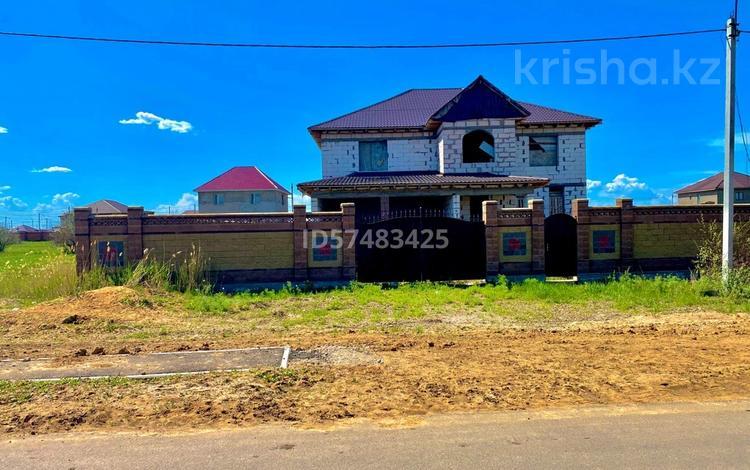 7-комнатный дом, 450 м², 14 сот., Косшы 55 за 21.5 млн 〒