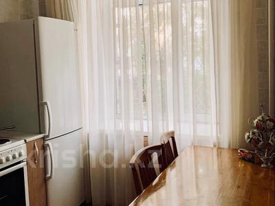 1-комнатная квартира, 35 м², 1/5 этаж посуточно, Славского 48 за 7 000 〒 в Усть-Каменогорске — фото 3