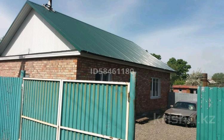 5-комнатный дом, 100 м², 12 сот., Голованова за 13 млн 〒 в Усть-Каменогорске
