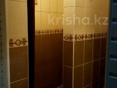 1-комнатная квартира, 30 м², 1 этаж посуточно, Улбике акына 154 за 8 000 〒 в Таразе