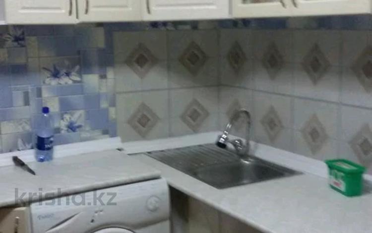 1-комнатная квартира, 35 м², 3/5 этаж помесячно, улица Евгения Брусиловского за 65 000 〒 в Петропавловске