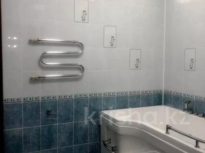 3-комнатная квартира, 120 м² помесячно, Солодовникова 21 — проспект Гагарина за 250 000 〒 в Алматы — фото 7